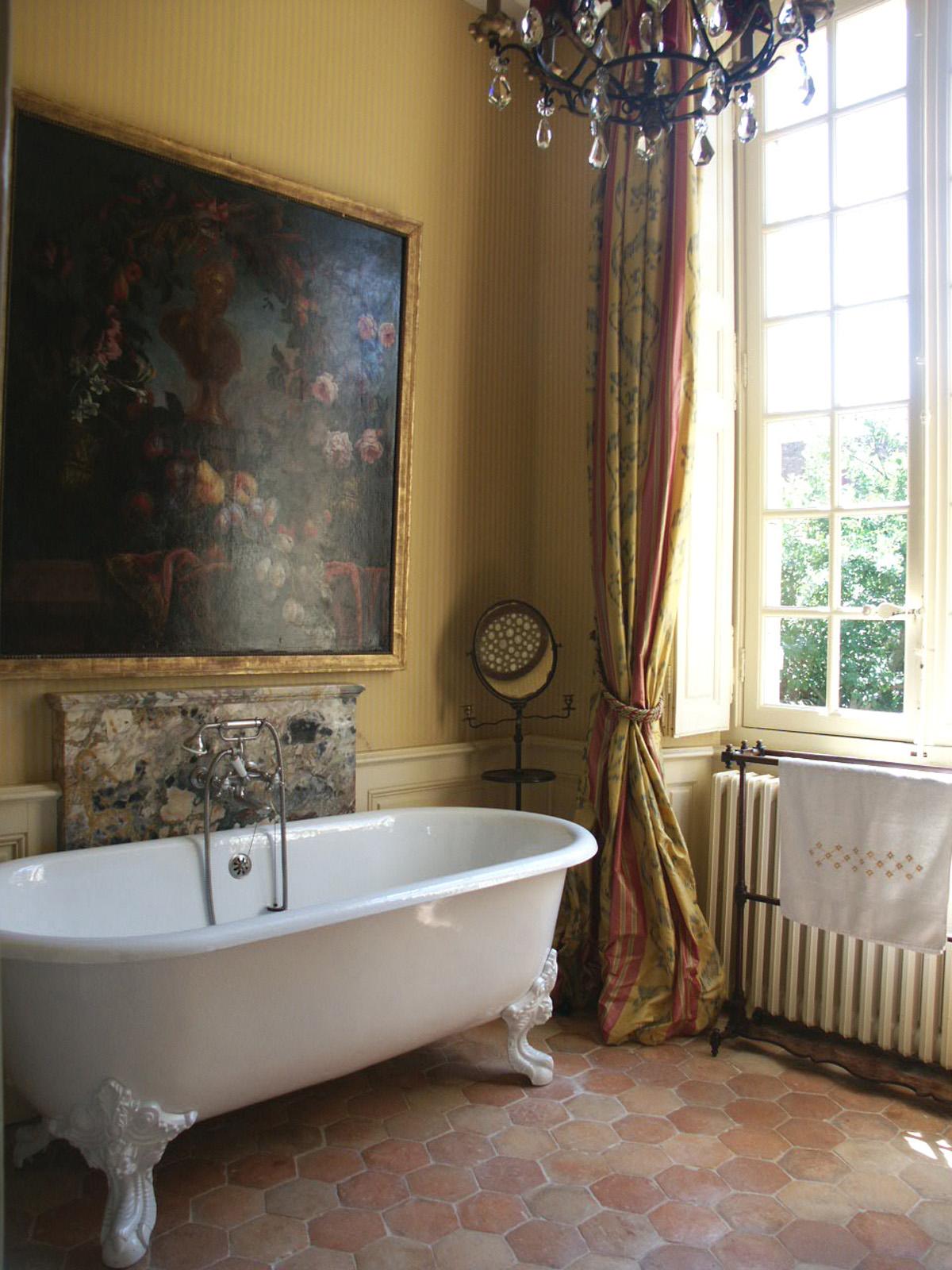 Salle de bains laurent bourgois et caroline sarkozy for Salle de bains in english